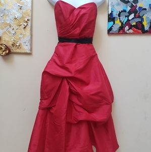 Gorgeous black and red mid length impression dress